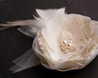 Rustic bridal hair piece, Wedding hair flower, Feather hair clip, Flower hair clip