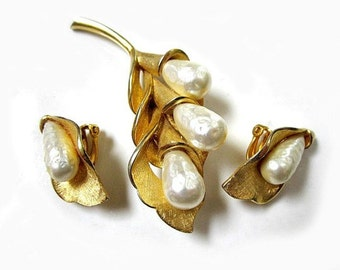 """Vintage Jewelry Set Gold Brooch 2 5/8"""" Pin Clip Earrings Faux Baroque Pearls Gorgeous Jewelry Gift Idea for Her for Mom Set Under 50"""