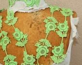 Very cute  green    color flower    venice  trim   2  yard listing