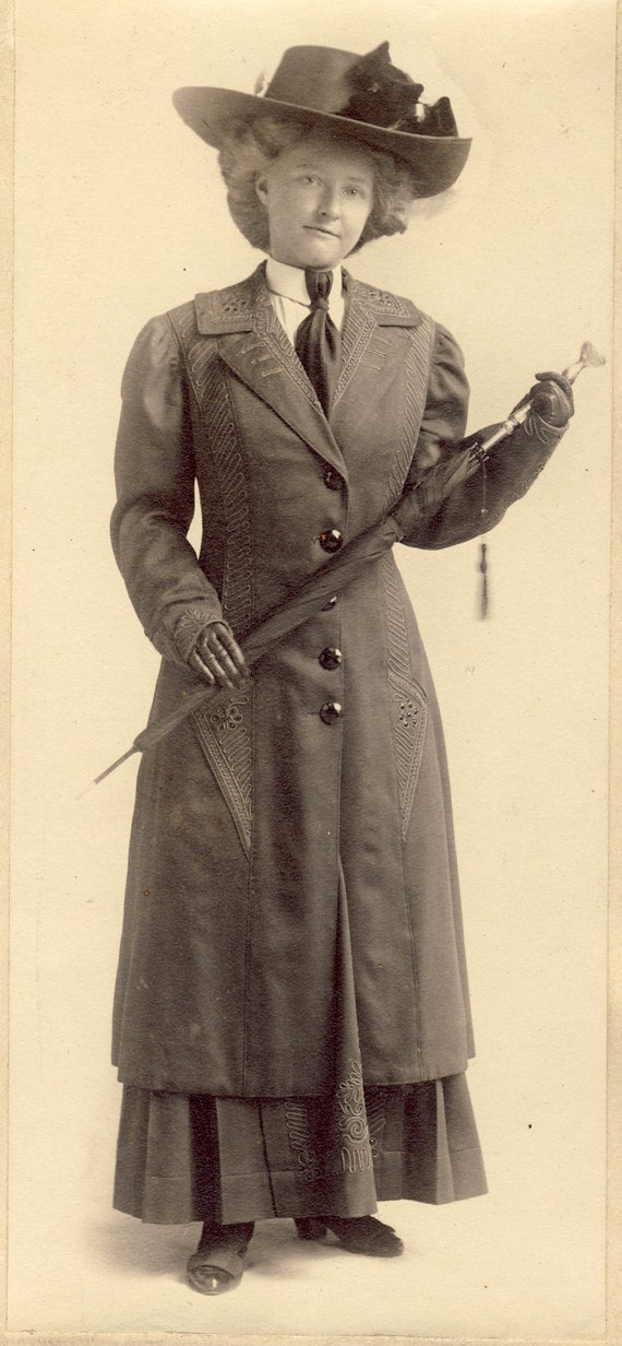 STYLISH EMBROIDERED COAT with Hat and Umbrella on Chester Illinois Woman Photo Circa 1910s
