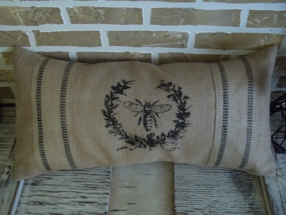 French Bee Wreath (Burlap) Pillow