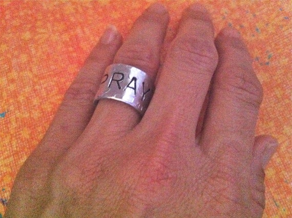 NEW-dc&t Finger Art Collection.....Hand Stamped Single Word/Name Ring
