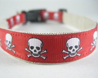 Hemp Dog Collar - Red Pirate Skulls - 3/4in