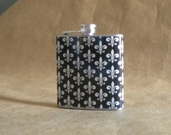 Ready to Ship for Black and Ivory Fleur de Lis Print 6 ounce Stainless Steel Gift Flask KR2D 6120
