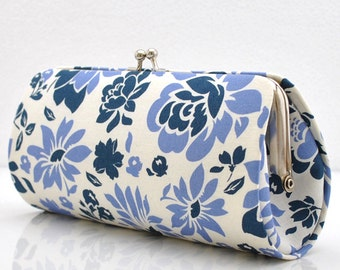 Picnic Flowers in Midnight..Small Clutch Purse