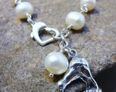 The Kiwi Bird - Cultured Freshwater Pearl Bracelet with a Sterling Silver Kiwi Charm