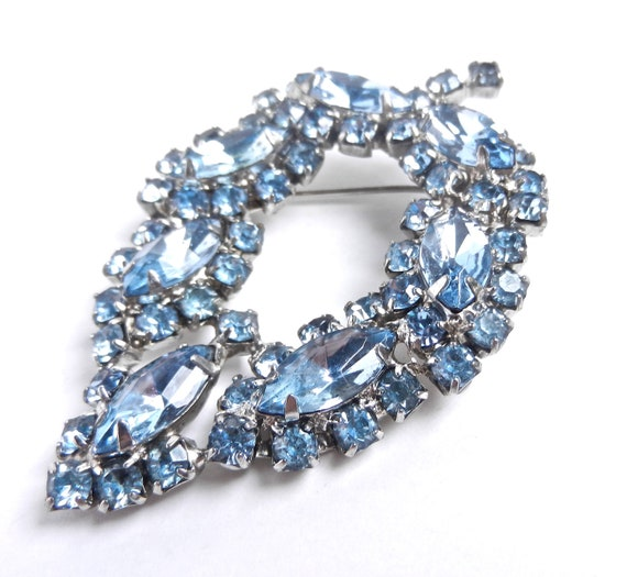 SALE - Vintage Blue Rhinestone Leaf Brooch - Large Silver Tone Prong Set 1960s Jewelry Pin / Baby Blues