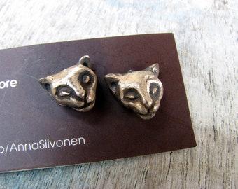 Cat earrings white bronze