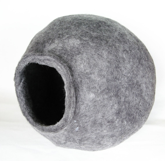 Wool Cats Cave XxL Cat House Pets Space Grey Gray Charcoal Handmade Felted Wool Cocoon Home Decoration Interior Detail Accent Modern Minimal