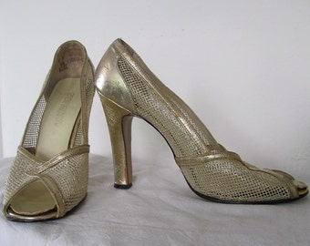 The 1960's Gold Mesh Peep Toe Pump