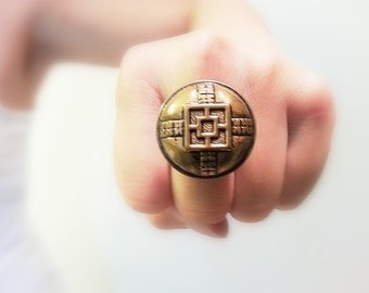 Asian Vintage Button Ring, Golden Round Button Adjustable Retro Style