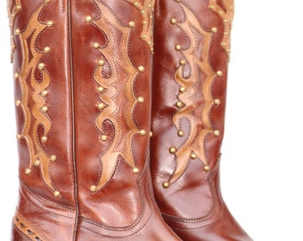 Beautiful, very well made, One of a kind, STUDDED, cutout, leather ladies cowboy boots 9 C MINT