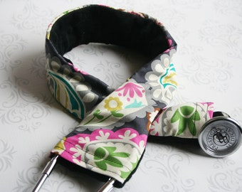 Padded Stethoscope Cover - Nurse, Doctor, Med Student, Nursing Student, Medical Assistant - Nurse Gift - Paisley with Black