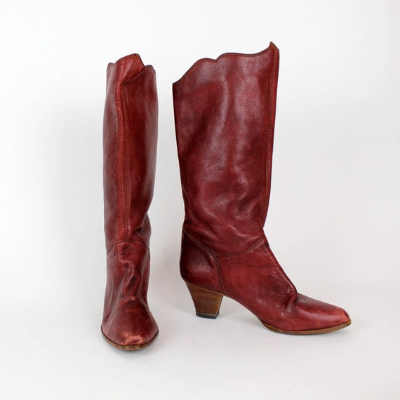 burgundy boots 9 / scalloped knee high leather boots
