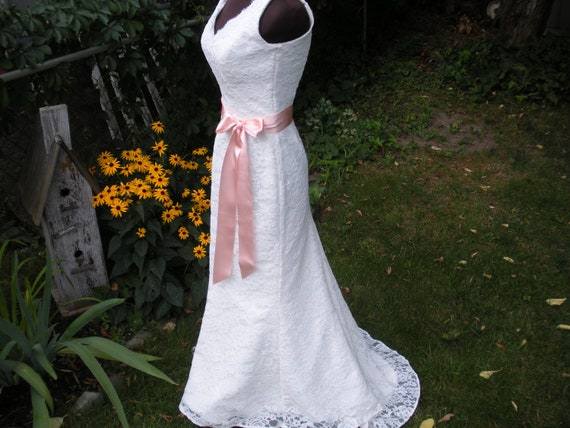 Fit n flare v neck lace wedding dress by brendasbridal on etsy for Fit n flare lace wedding dress