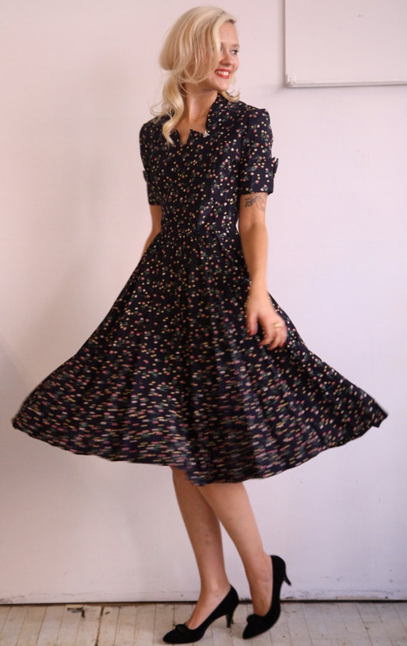 1940s Dress // Honey Bee Flower // Medium