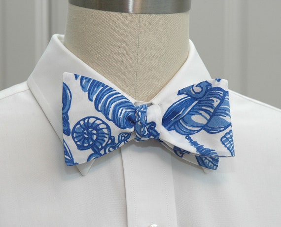 Lilly Bow Tie in blue and white Fallin' In Love A Little