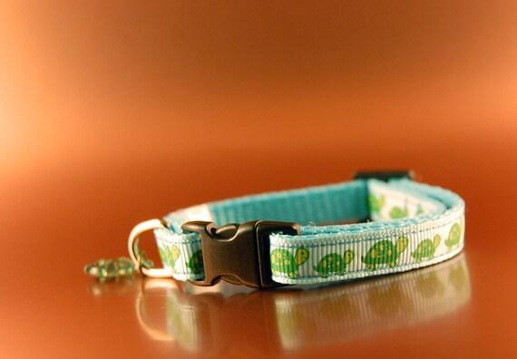 Breakaway Cat Collar with Tortoise Design and Fish Charm