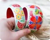 Bracelet set 1. Hand Painted Jewelry. Flowers Bangle Bracelets. Floral fashion. Bright colors. Average and Wide wood bracelets