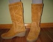 Vintage Italian suede fleece lined Boots size 8.5