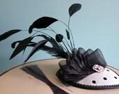 Black Dottie, Fascinator polka dot black & white