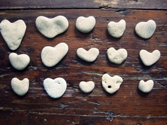 Diy Beach Project - Surf - Unique Wedding Table Decor -Heart Shaped Srones - Eco Friendly - Natural Heart Shapes Rocks Beach heart Pebbles A