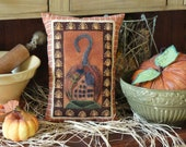 Folk Art Pumpkin II, A Pattern To Embroidery a Fall Pumpkin Pillow