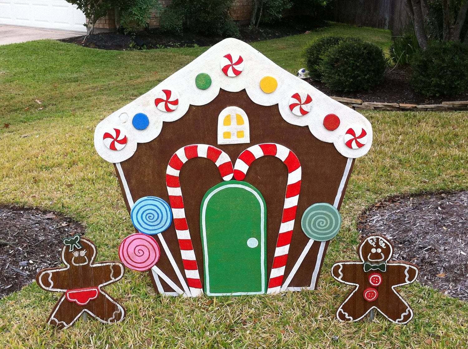 Gingerbread house yard art christmas decoration for Gingerbread decorations