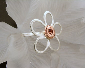 Sterling Silver and Copper Ring - Any size, Copper and SIlver Flower Ring, Mixed Metal Ring, Handmade Rings, Daisy Ring