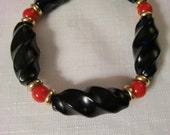 Vintage NAPIER Black & Red Lucite Necklace