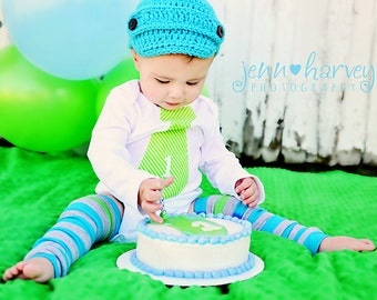 Cake Smash Baby Boy Personalized Tie Onesie Bodysuit.  1st First Birthday Outfit.  Embroidered Tie, Teal Aqua Green Party