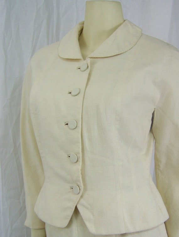 Briny Marlin 1950s bombshell women's skirt suit Cream rayon
