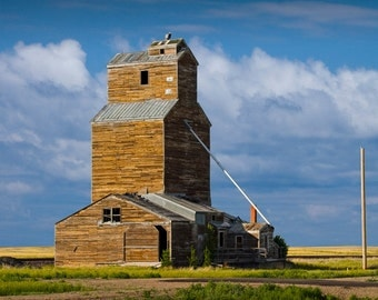 Harvest Grain Elevator on the Prairie in North Dakota No.1915 Color Wall Decor Fine Art Farming Agricultural Landscape Photography