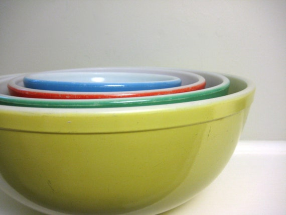 Vintage 1940s Pyrex Primary Mixing Bowl Set, Nesting Bowls, Yellow Green Red Blue, Colorful Retro Kitchen Decor, Instant Collection