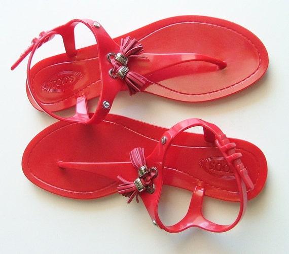 Vintage Tods boho red Sandals / Flats Size 8.5 / Summer