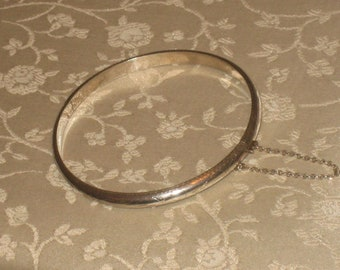 FREE SHIPPING Sterling Vintage Etched Bangle, Ladies, Safety Chain Bracelet