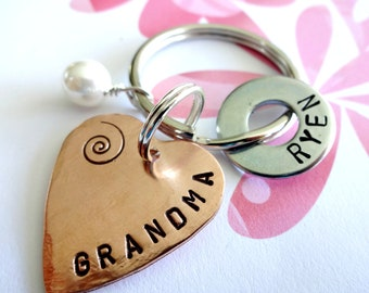 GRANDMA Keychain Gift Personalized Christmas Hand Stamped Copper Heart Key Chain - Grandparent Birthday Gift - Hardware Washer - Pearl Bead
