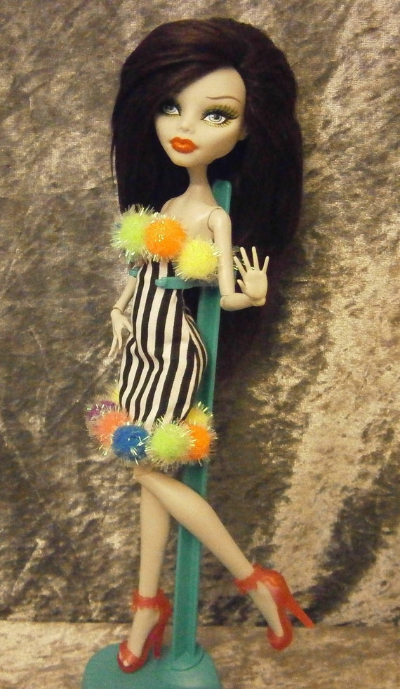 Rerooted  Ghoulia with ooak outfit