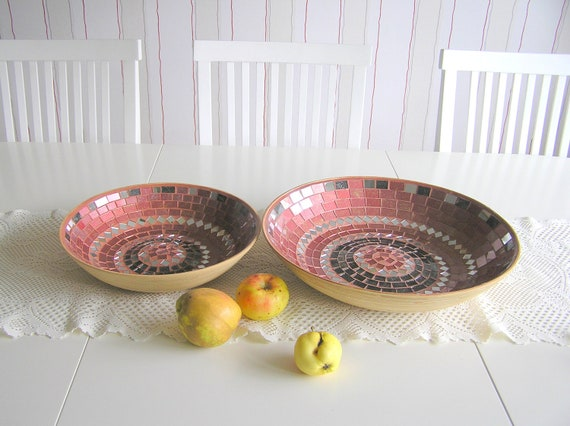 Holiday home decor spicy winter Christmas bowl fruit red platter nesting set of 2