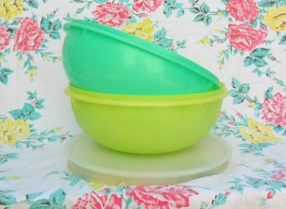 Vintage Tupperware Fix and Mix 26 Cup Bowls Green and Yellow Mixing Bowls Pretty
