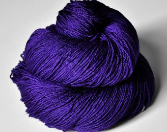 Memory of a dark tale - Merino/Silk Fingering Yarn Superwash