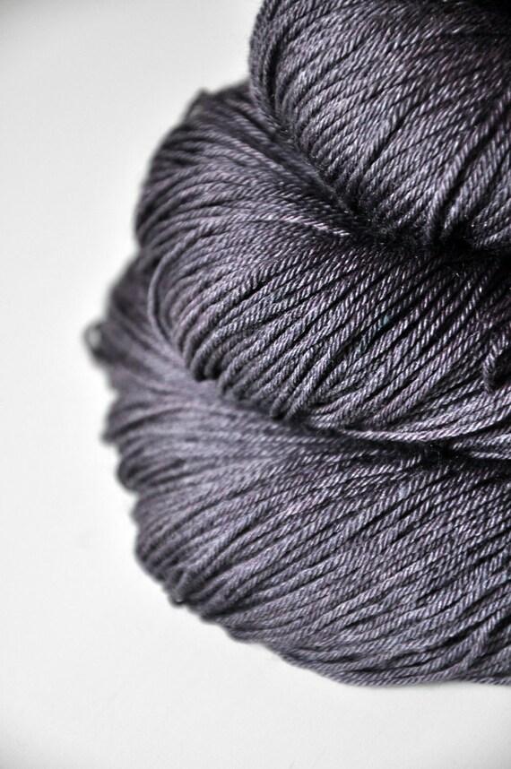 Dove being no more OOAK - Merino/Silk superwash yarn fingering weight