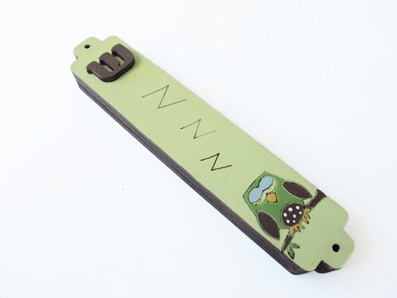 Children Mezuzah Case - Owl, brown and green owl  Mezuzah - decorative kids mezuzah -Boys mezuzah hand painted on wood
