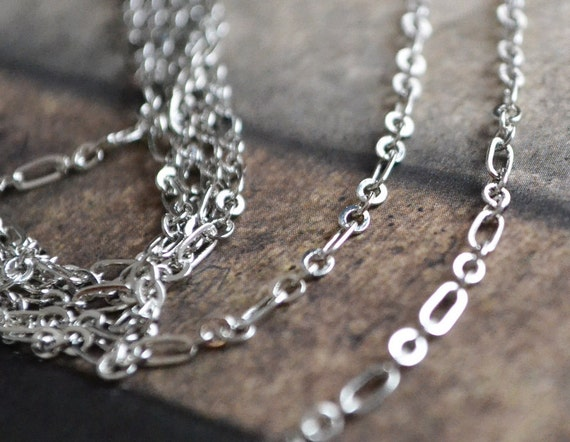 300cm (3 meters, 3.28 Yards) Quality 2.5x4mm Silver Plated Pure Brass Unique Oval Figaro Chain SF2455