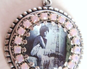 Paris inspired 1920s photo pendant with pink opal crystals
