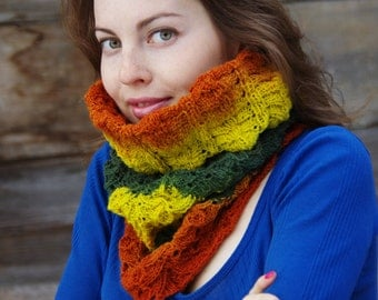 Wool knitted cowl, kauni yarn. Handmade.