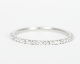CERTIFIED - E-F, VVS-VS Platinum Diamond Wedding Band -Sale