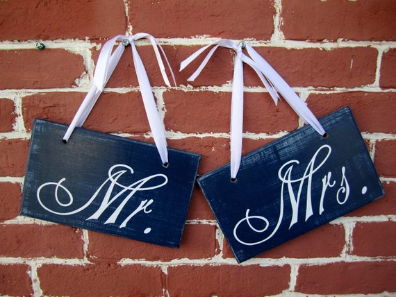 "READY TO SHIP - 6"" x 10"" Wooden Wedding Sign: 2pc Set Double sided - Mr. & Mrs. and Thank you"