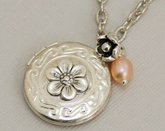 Personalized Locket,Silver Locket,Antique Locket,Girl,Child,Baby,Girl Locket,White Pearl,Flower
