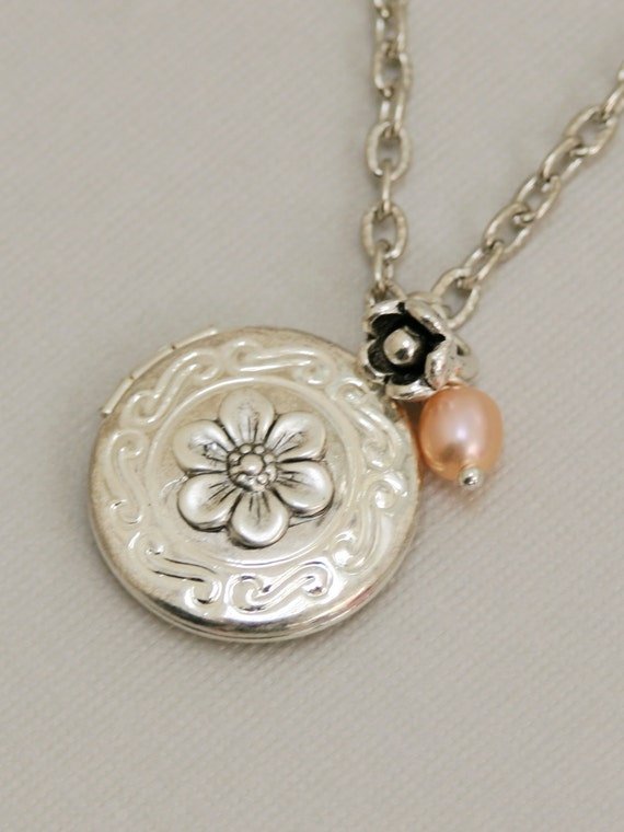 Lockets Necklaces: Free Shipping on orders over $45 at laroncauskimmor.gq - Your Online Necklaces Store! Get 5% in rewards with Club O!